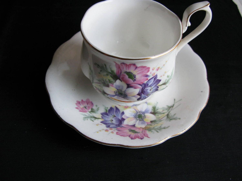 porcelain tea cup teacups and saucers sets royal schaumburg. Black Bedroom Furniture Sets. Home Design Ideas