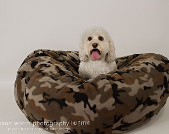 Nesting bed for dogs or cats made with fleece and nonclumping fiberfill- Large