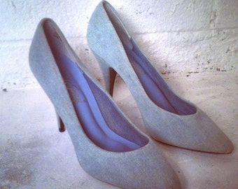 VINTAGE Denim Heels // Pumps  7 1/2