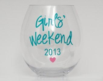 girls weekend gift // personalized acrylic stemless wine glass // girls trip // wine tasting favor // girls vacation // custom wine glass
