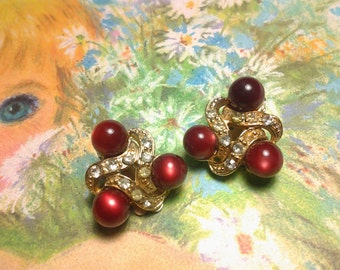 vintage costume jewelry earring flower lucite signed coro