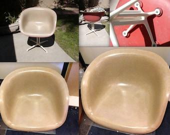 EAMES LA FONDA Chair Super Rare Greige and Red Alexander Girard Arm Fiberglass Armshell on White Base Vintage All Original Herman Miller