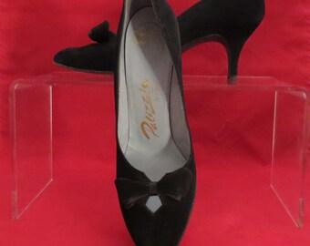 Vintage 1950s black suede stiletto pumps size 8.5 Joseph Artell Palizzio