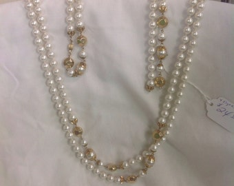 White extra long Pearl Necklace