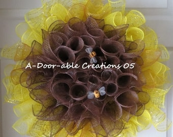 WHIMSICAL SUNFLOWER & BuMbLe BeE Spiral Mesh Wreath