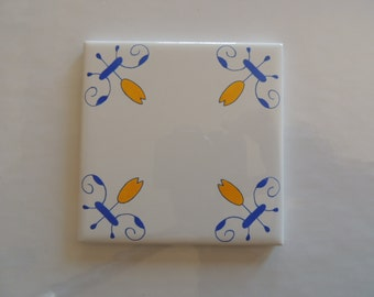 Delft Style Blue and White Tulip Tiles Decorative Tiles in Blue and Yellow