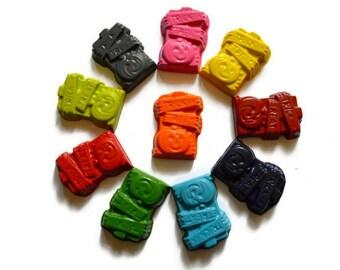 Trick or Treat Pumpkin Crayons set of 20 - Halloween Crayons - Halloween Favors - Halloween Treats