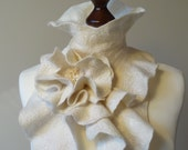 Felted ruffle scarf from Merino wool fibres in natural white color