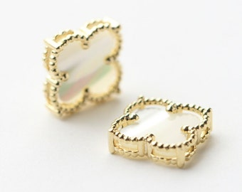 3254121 / 4 Leaf Clover (Medium) / 16k Gold Plated Brass with Mother of Pearl Connector 18.5mm x 18.5mm / 1.8g / 1pcs
