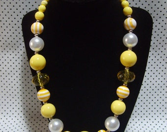 Yellow & White Chunky Beaded Necklace