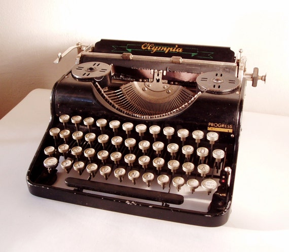 antique working typewriter olympia from 1930 germany manual. Black Bedroom Furniture Sets. Home Design Ideas