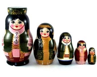 Ethnic Nesting Dolls 5 pcs Russian matryoshka doll Babushka set for kids Wooden authentic stacking handpainted dolls toys Russia Tatarstan