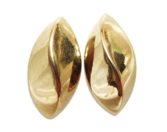 Vintage Gold Tone Napier Oval Earrings