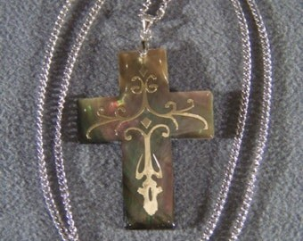 Vintage Sterling Silver  Mother of Pearl fancy bold  cross pendant Charm Necklace Chain    W
