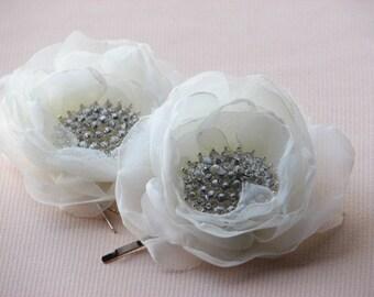 Ivory hair flowers Ivory hair clips 2 ivory hair flower Ivory headpiece Bridal flower clips Rhinestone hair clips Wedding rhinestones