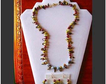 Exotic Talon Shell and Three Pearl Necklace and Earring Set
