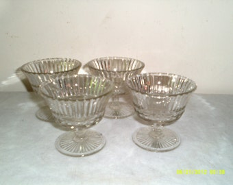 Mid Century Glass Sherbert Glasses with Stars, Set of Four Ice Cream Goblets, Ice Cream Stemware, Dessert Goblets, Dessert Glasses