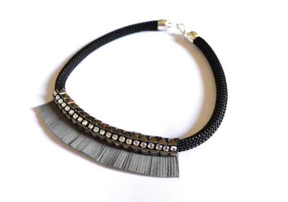 Metal studs strass necklace rocker style statement necklace winter
