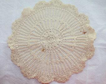 Vintage Flower Crochet Doilly, Handmade  Flower Pattern Doilly