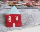 Red home brooch, Polymer clay house, Tiny pin