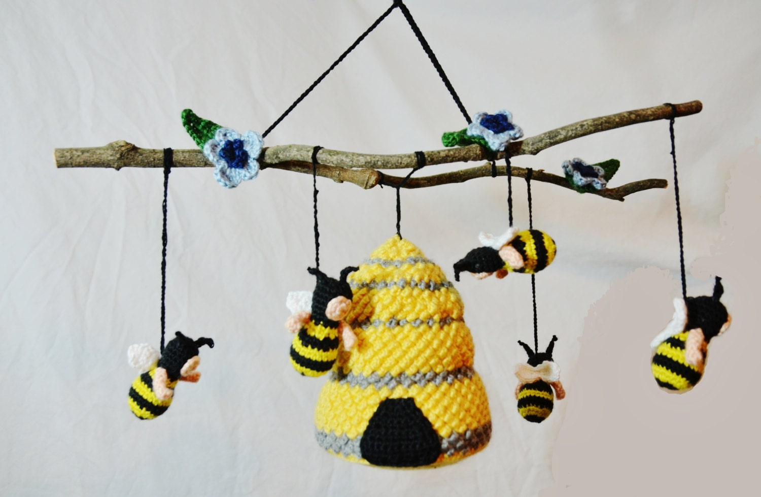 bumble bee baby crib mobile crochet pattern by piscescrochet