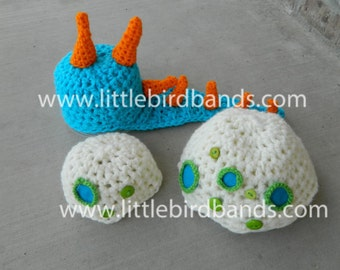 Handmade, Crochet dinosaur Hat and Bottom Cover, Photo Prop, Newborn Hat, Newborn Dinosaur Hat