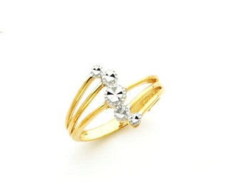 14k gold fancy ring.