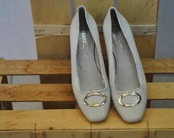 Vintage FERRE women's shoes .....(053)