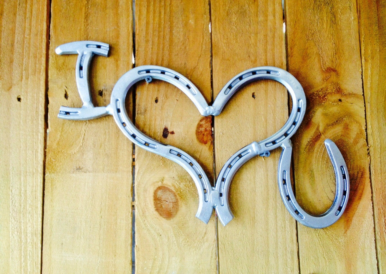 I love you horseshoe art horseshoe decor by shabbyworks for Old horseshoe projects