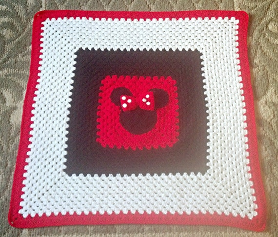 Crochet Pattern For Minnie Mouse Blanket : Baby Blanket Crocheted Minnie Mouse Baby Blanket Minnie