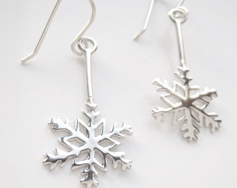 Handmade  Silver Snowflake Earrings. Winter earrings. Snow earrings.