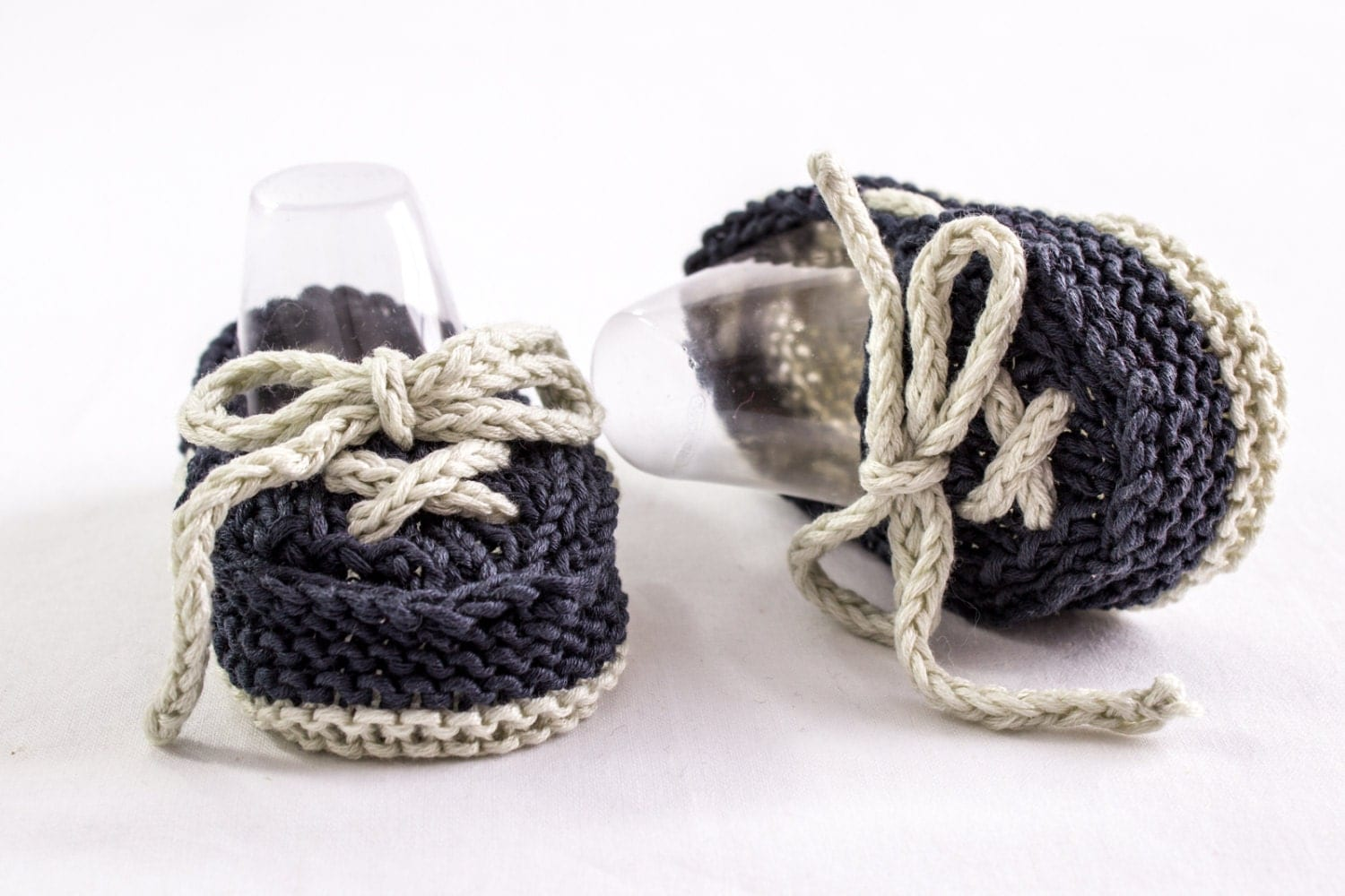 Knitting Baby Shoes : Knitting pattern baby boat shoes easy knit boy