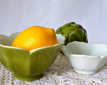 Clearance - Lotus Rice Bowls - Set of Two made in Japan Porcelain Nesting Tulip Bowls