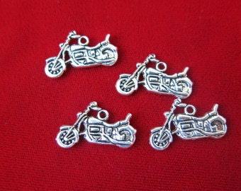 """BULK! 30pc """"motorbike"""" charms in antique silver style (BC57B)"""