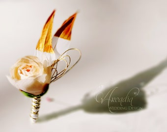 Champagne Ranunculus and Golden Dipped Feather Rustic Boutonniere for Groom, Groomsmen, Parents, Familiies. Silk Flower Wedding Boutonnieres