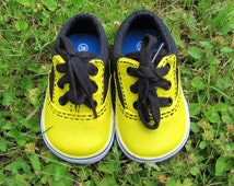 Painted Boy's Toddler Yellow Oxford Sneakers in Size 3 , Yellow Bumble Bee Black Lace up Oxford Canvas Shoes for Children, Babies, & Infants