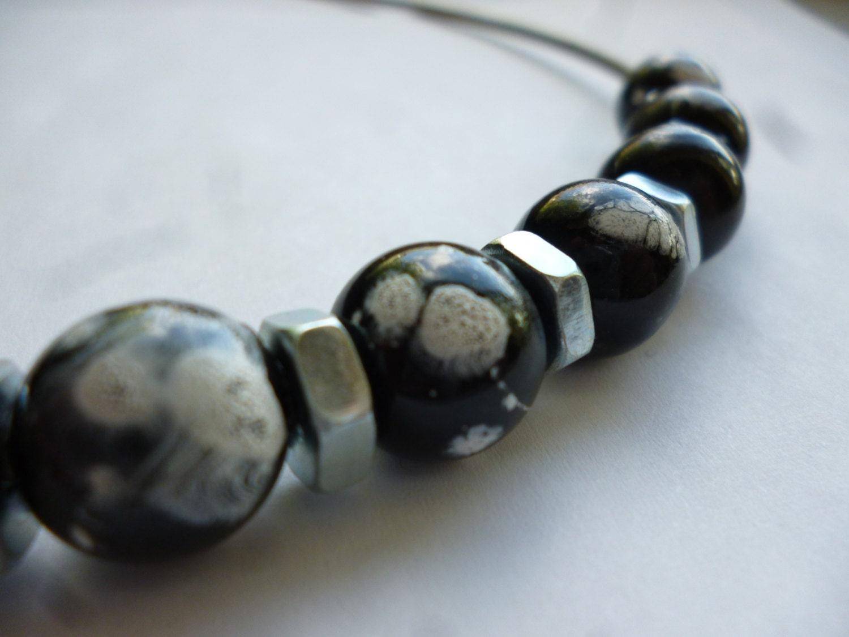splatter beads bass string necklace. Black Bedroom Furniture Sets. Home Design Ideas