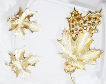 Signed Sarah Coventry Brooch and Earrings Set