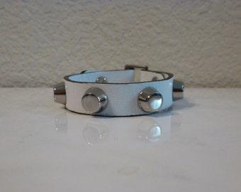 Silver Hardware Bracelet - White Pebble Grain Leather