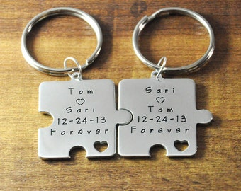 FREE Shipping-personalized puzzle keychain, hand stamp key chains, Customized pretty heart Couple key chain set, Valentines Day Gift