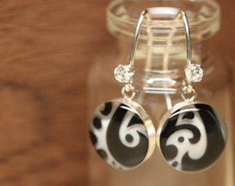 Starbucks Paisley earrings with sterling silver, resin and cubic zirconia. Made from recycled, upcycled  gift cards.