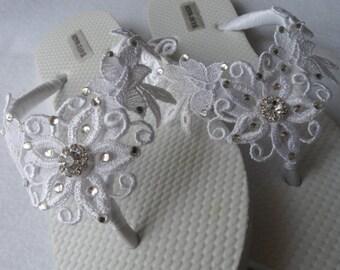 White Venice Lace Flip Flops / Bridal White Flip flops / Bridal Venice Lace Sandals / Wedding Flip Flops / Bridesmaids Shoes .