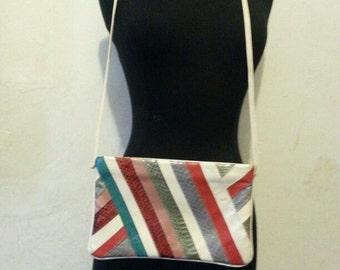 vintage style snakeskin strap purse