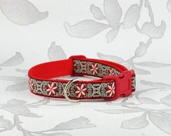 Red pinwheel dog collar