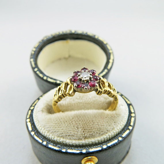vintage 18k bague or diamants et dark grenats rouge bague de. Black Bedroom Furniture Sets. Home Design Ideas