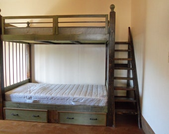 Kids bunk bed with stairway