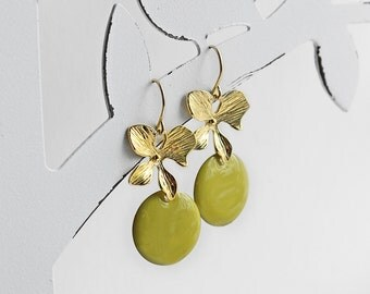 Ich bin Luxus - 'Emaille for YOU - pistazie' orchid earrings