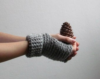 Driving gloves in grey - minimalistic fingerless gloves -  Wool wrist warmers - CHOOSE YOUR COLOR (28 colors)