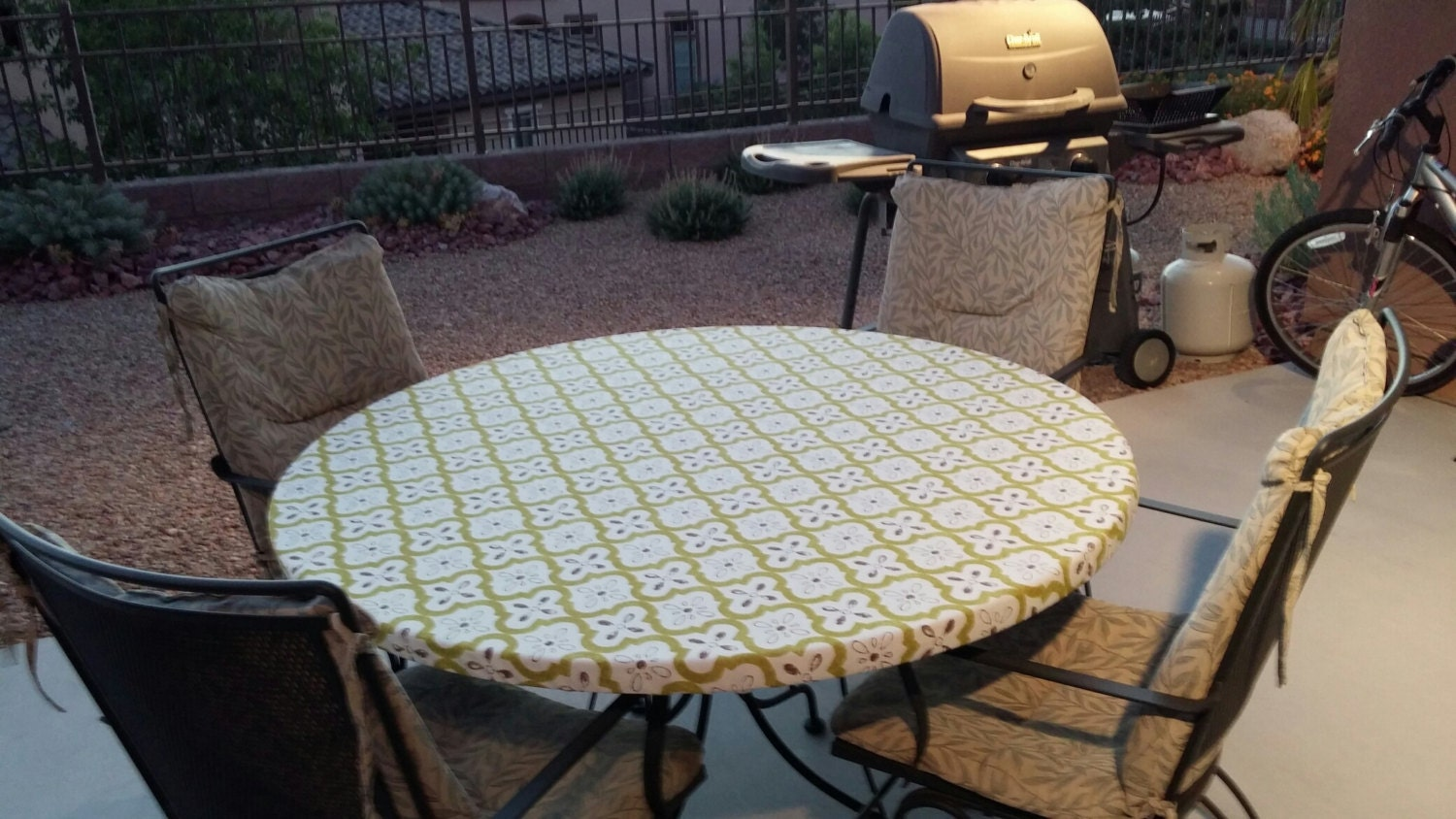 Round Fitted Tablecloth In An Off White With Celadon Outdoor