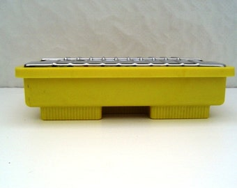 Retro early plastic TP hot plate